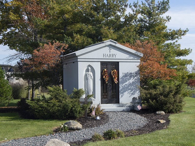 Estate Mausoleum